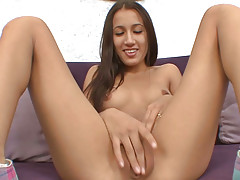 Teenager toying pussy thither hot positions